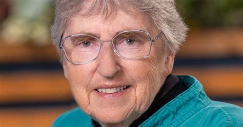 oregon woman inducted  national   hall  fame