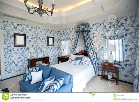tapisserie de chambre a coucher chambre à coucher avec le papier peint bleu de fleur