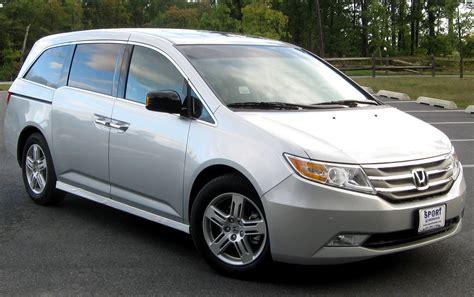 2013 Honda Odyssey Review  Best Minivan Guide