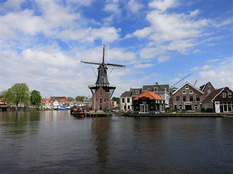 HAARLEM: DAY TRIPS FROM AMSTERDAM