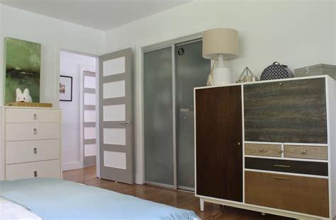 cool closet doors bedroom contemporary  beige bedding