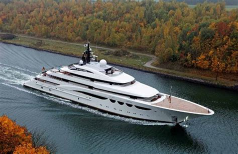 Yacht Videos by Video L 252 Rssen S Quattroelle On Sea Trials Megayacht News