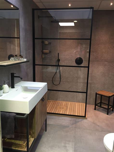 Kleines Badezimmer Design by Kleines Badezimmer Mit Offener Dusche Die Durch Eine