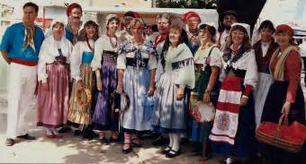 traditional clothing elementary italian 105