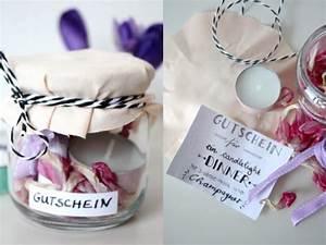 Shopping Gutschein Selber Machen : gift wrapping 3 ideen um gutscheine zu verpacken rosy grey diy blog lettering m nchen ~ Eleganceandgraceweddings.com Haus und Dekorationen