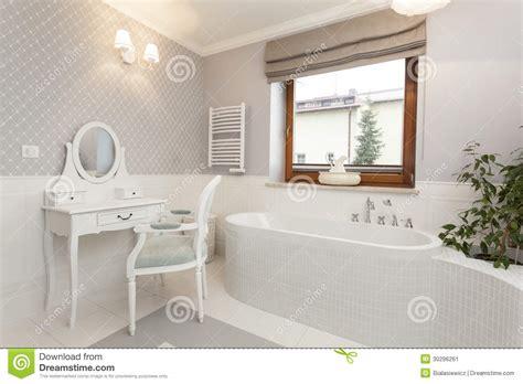 le salle de bains la toscane salle de bains avec la coiffeuse image stock image 30296261