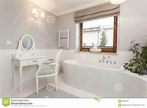 Coiffeuse Salle De Bain : la toscane salle de bains avec la coiffeuse image stock ~ Teatrodelosmanantiales.com Idées de Décoration