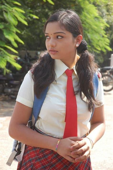 Indian School Girls Hot Photos