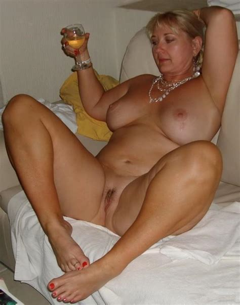 hot mom amateur in action