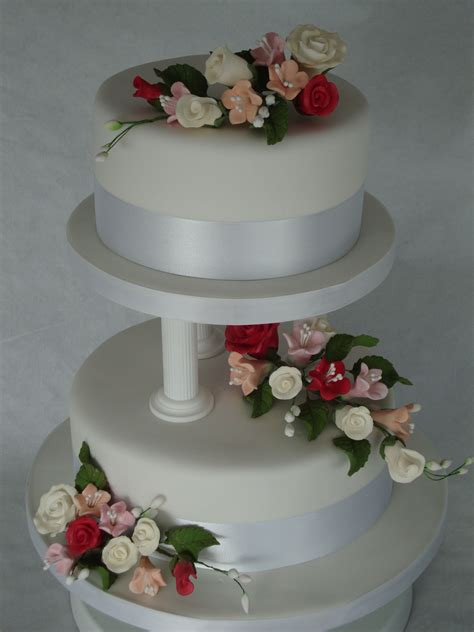 pillar wedding cakes home wedding cakes  tier