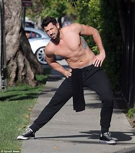 Maks, chmerkovskiy to leave Dancing with the Stars