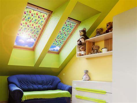 dachfenster rollo 187 sonnenschutz f 252 r dachfenster mit dachfensterrollos multifilm
