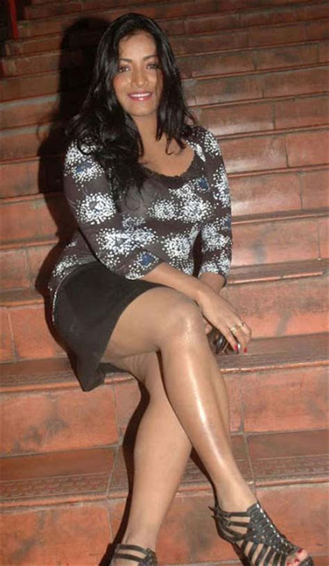 actress mamta mohandas hot thigh show  tollywood boost