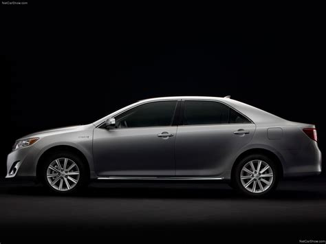 Toyota Camry Hybrid Backgrounds by Toyota Camry Hybrid 2012 Picture 19 Of 30