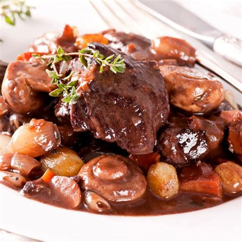 cuisiner un boeuf bourguignon recette boeuf bourguignon facile et rapide