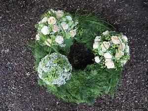 Trauer Blumen Bilder : trauer blumen pfullendorf ~ Frokenaadalensverden.com Haus und Dekorationen