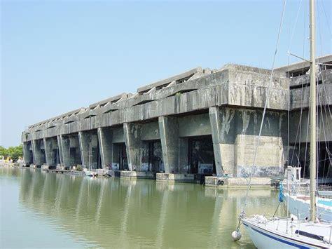 German U Boat Pens Brest by Bordeaux U Boat Base U Boat かっこいい潜水艦の画像