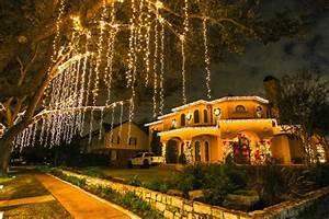 Christmas Lights In River Oaks Houston Texas 12 Best Christmas Light Displays In Texas 2016