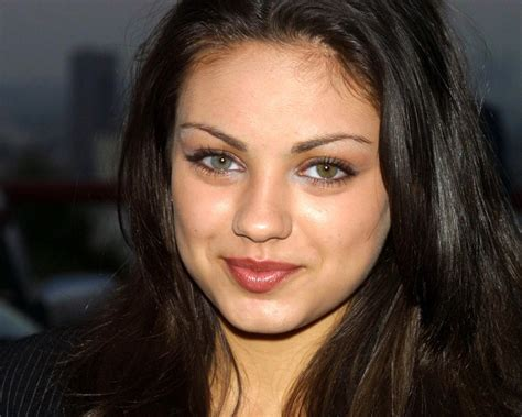 two eye colors mila kunis