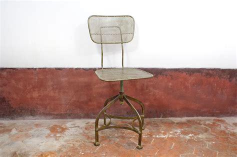 chaise d atelier chaise d 39 atelier en tôle perforée style atelier pib