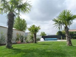 Jardin contemporain avec piscinegarden creart for Amenagement jardin avec galets 10 bord de piscinegarden creart