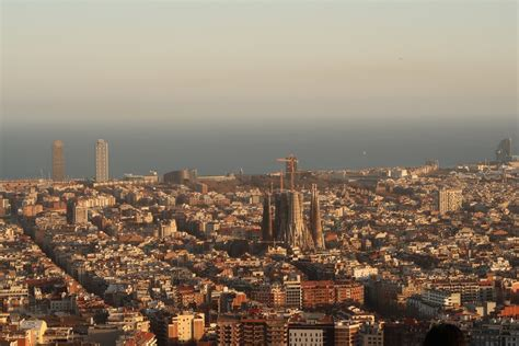 Top 5 Free Things to do in Barcelona | Suggested by Locals