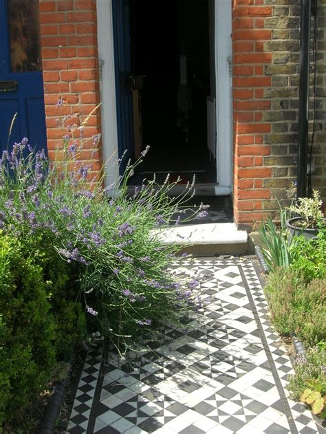 front entrance pathways 34 best images about front garden house on pinterest gardens kitsch and the doors