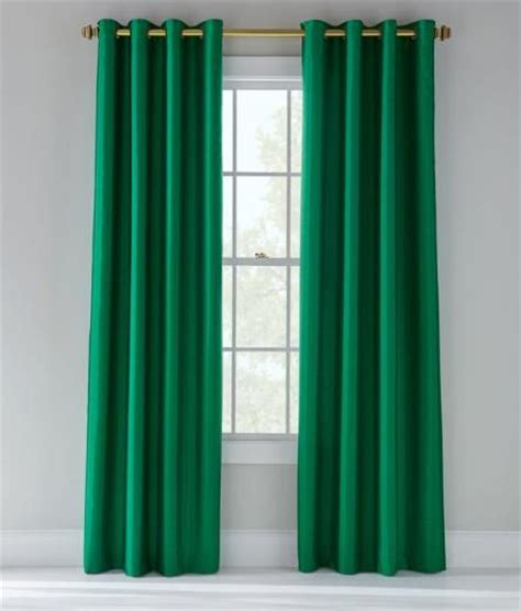 emerald green curtains 25 best ideas about emerald bedroom on green