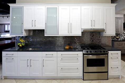 white shaker cabinets  stock kitchen cabinets bath