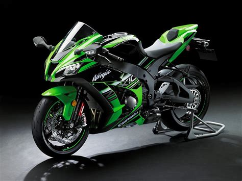 Kawasaki unveils 2016 ZX 10R with advanced electronics