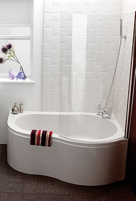 Corner Baths For Small Bathrooms by Small Corner Bath Tub Small Corner Tubs Compact Yet