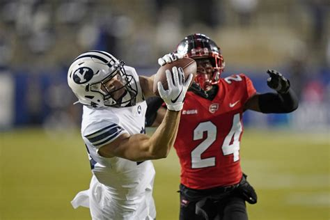 No. 11 BYU improves to 7-0 with 41-10 rout of Western ...