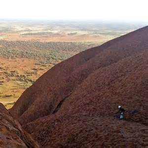 Tourist Spends Night Trapped Crevice Uluru After