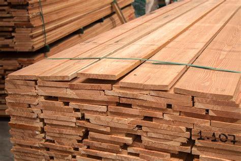 tavole in legno per edilizia tavole di castagno grezzo idee per la casa