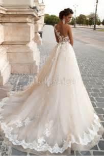 robe de mariage les 25 meilleures idées de la catégorie robes de mariage en dentelle sur robes de