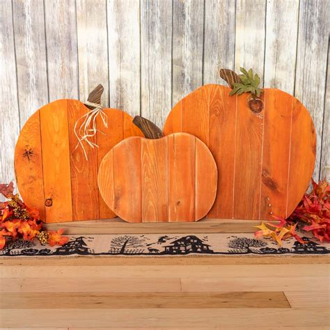 diy pallet pumpkin trio  handymans daughter
