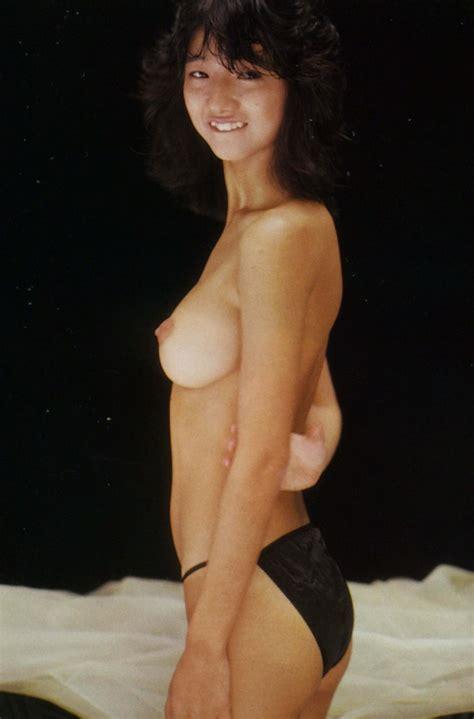 Kurahashi Nozomi Nude Office Girls Wallpaper