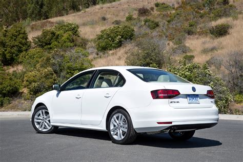 2016 Volkswagen Jetta 1.4t Se Review By Carey Russ