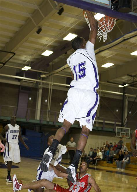 senior errick mccollum breaks mens basketball scoring