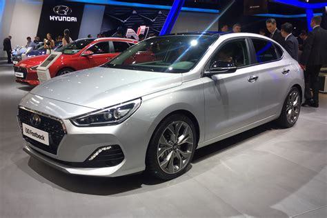 New Hyundai I30 Fastback Brings 5 Door Coupe Option To Family Hatch Range Auto Express