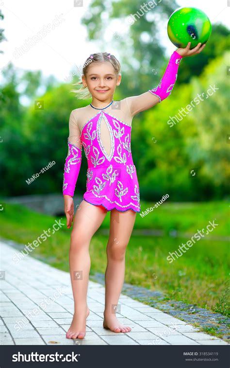 Gymnastic Teen Naked Red Big Boobs