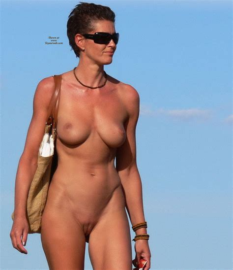 Nude Outdoor Wearing Sunglasses January Voyeur