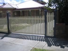 Picket Fence Sliding Gate