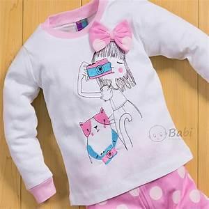 Quần áo cho bé gái in hình cô bé chụp ảnh siêu đáng yêu