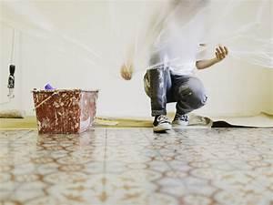 Wände Weiß Streichen : w nde streichen tipps f r ein gelungenes farbergebnis ~ Frokenaadalensverden.com Haus und Dekorationen