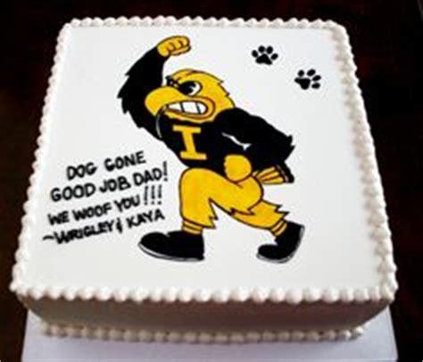 images  iowa hawkeye cake  cupcakes  pinterest