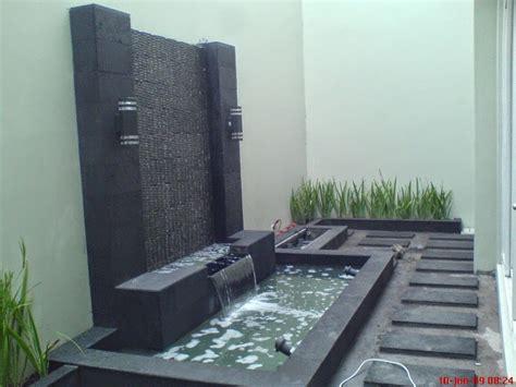 contoh  desain kolam ikan minimalis  rumah