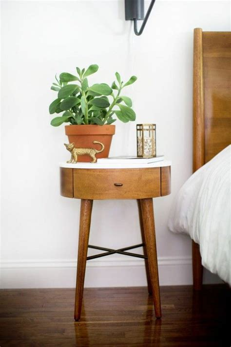 potted plant   bedside table decoration ideas green