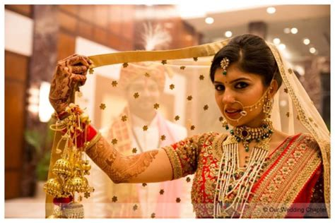 Top 10 Bridal Shots You Should Include In Your Wedding Album Wedding Events Ppt Dallas Japanese Guide On Facebook Photography Price Uk To Guests Kerala Hinterland