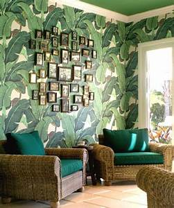The Beverly Hills Iconic Tropical Leaf Wallpaper